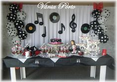 Like the black and white dot balloons for the party 50s Theme Parties, Music Themed Parties, Music Party, Rockstar Birthday, 60th Birthday Party, Sock Hop Party, Rock Star Party, Karaoke Party, Disco Party