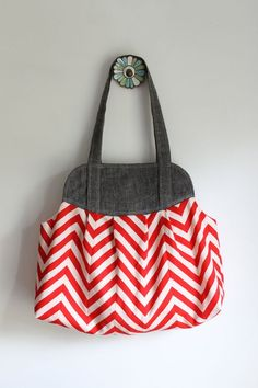 Made by Rae bag pattern coming soon.  I want to make one just like it for fall.  She pieced her own chevron fabric! Maybe with different colors, grey and yellow?