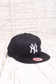 New Era - NY Yankees 9Fifty - Casquette à fermeture pressionnée chez Urban  Outfitters Ny Yankees fb85a575365d