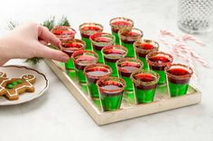Grinch Jello Shots More (Christmas Appetizers Grinch) Christmas Jello Shots, Christmas Party Drinks, Christmas Appetizers, Holiday Cocktails, Christmas Treats, Holiday Treats, Christmas Cookies, Holiday Recipes, Christmas Punch