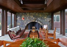 A look into 15 mid-century-modern living rooms that epitomize this coveted interior design style. Garrison House, Garrison Ny, Mid Century Interior Design, Vintage Leather Sofa, Screened In Porch, Living Room Modern, Living Rooms, Small Living, Ceiling Windows