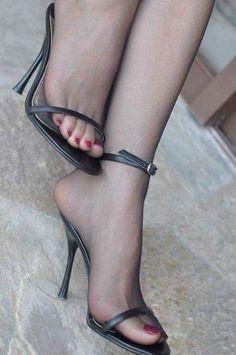 Pinky toe!