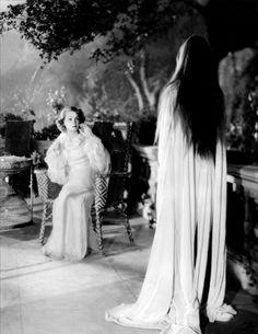 Mark of the Vampire (1935, dir. Tod Browning) (via)