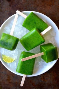 Swap your straw for a stick with a quick and easy recipe for green juice popsicles loaded with kale, spinach, apples, pineapple and more healthy favorites!