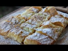 Turkish bread: the most delicious and easy bread you will ever make! Greek Sweets, Greek Desserts, Köstliche Desserts, Greek Recipes, Delicious Desserts, Bougatsa Recipe, National Dessert Day, Desserts With Biscuits, Sandwiches