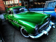 Buick- Wow Buick Cars, Buick Gmc, Fancy Cars, Cool Cars, Classic Motors, Classic Cars, Vintage Cars, Retro Vintage, Car Colors