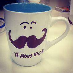 Café com bigode, pede um guardanapo. #moustache #cafe #bigode #sexta www.diariodebordo.net.br