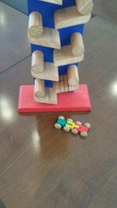 Brinquedo educativo em madeira