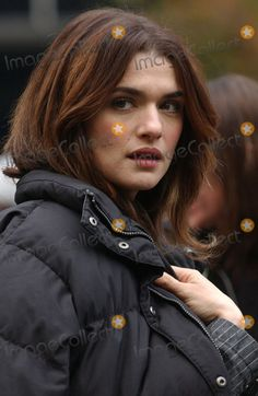 Photos and Pictures - Rachel Weisz filming a scene on the movie set of 'Definitely Maybe'.