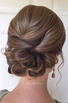 42 Everyday cute hairstyles for long hair - Frisuren Lange Haare - Wedding Hairstyles Updos For Medium Length Hair, Up Dos For Medium Hair, Short Hair Updo, Medium Hair Styles, Curly Hair Styles, Low Updo, Easy Updo, Updos For Shorter Hair, Updo Diy