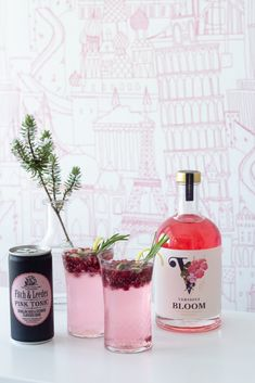 VerGin: Guilt-free pleasure - A Table for One Lemon Syrup, Colored Sugar, Pomegranate Juice, Non Alcoholic, Guilt Free, Healthy Alternatives, Beautiful Roses, A Table, Berries