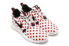 Nike Roshe NM QS polka dot. Nike Shoes Cheap, Nike Free Shoes, Running Shoes Nike, Cheap Nike, Nike Roshe Run, Nike Shox, Nike Heels, Adidas Shoes, Tiffany Blue Nikes