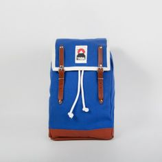 YKRA -MATRA MINI LEATHER STRAP handmade backpack from Budapest toller Rucksack im Pfadfinder-Stil