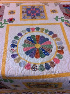 pics of 30's quilts  | Sandy's 30's Dresden Plate | Quilted JoyQuilted Joy