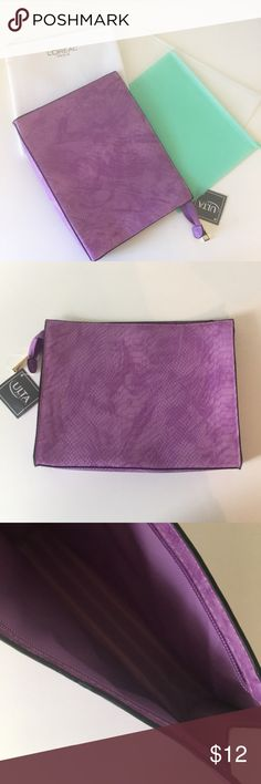 """💃🏻 5 for $25! Cosmetic Bags Bundle This item is part of the 5 for $25 deal (look for the 💃🏻 for other eligible items in my closet).     Brand New! Great for makeup, toiletries or storing documents, receipts, passports etc.   Approx Sizes: Purple bag: 10.5"""" x 8"""" Transparent pouch: 10"""" x 8"""" Mint Green pouch: 9"""" x 7"""" Loreal bag: 8"""" x 8"""" Bags Cosmetic Bags & Cases"""