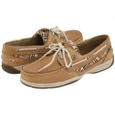 Cute side detail. #sperry