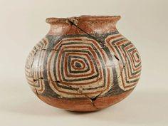 Vaso pintado. Diaguita. Cerámica. Colección Norte Chico. Mexican Ceramics, Pueblo Pottery, Southwest Decor, Japanese Pottery, Ceramic Clay, Native American Art, Ancient Art, Rock Art, Handicraft