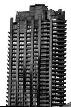Brutalist Architecture - Barbican in the City of London - Architecture firm Chamberlin, Powell and Bon Concrete Architecture, London Architecture, Concrete Building, Gothic Architecture, Architecture Design, Brutalist Buildings, City Buildings, Council Estate, Concrete Structure