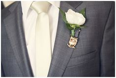 wouldn't a grey suit (for the groom and/or groomsmen) look better with the pale green??