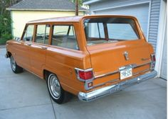 love the early wagoneers with smooth sides