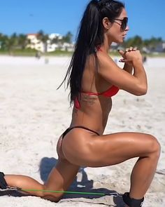 Great booty workout by 💪🏼 - lunges deadlifts thrusters reverse lunges Leg Day Workouts, Lifting Workouts, Butt Workout, Anita Herbert, Youtube Workout, Glutes, Fitness Goals, Workout Videos, Fitness Inspiration