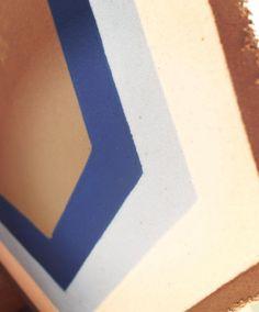 Hexagonal 20x20cm  Diseño: Folow  #arte #arquitectura #lagunamosaicos #mosaico #tileaddiction #tuconstru #ihavethisthingwithfloors #hexagonal #tiles by lagunamosaicos