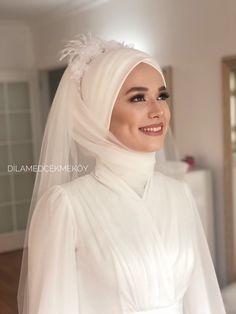 Wedding Hijab Styles, Fancy Wedding Dresses, Muslim Wedding Dresses, Muslim Brides, Wedding Dress Sleeves, Bridal Dresses, Muslim Girls, Muslim Couples, Muslimah Wedding Dress