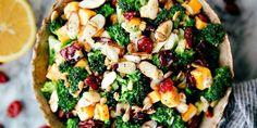 Овощной салат с брокколи, орехами и клюквой