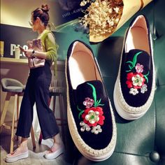 Womens Embroidery Floral Platform Creepers Hidden Heel Shoes Slip On Loafer  Plus in Clothing 75dac3462a2