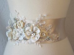 So pretty. Champagne Bridal Sash, Ivory Wedding Belt, Rhinestone and Pearl Flower Sash with Lace - CHERI via Etsy. Wedding Belts, Wedding Sash, Bridal Sash, Wedding Pins, Ivory Wedding, Dream Wedding, Wedding Dresses, Bridal Belts, Flower Belt