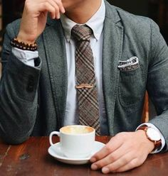Having a morning routine in place allows you to take a close look at how you start your day and figure out how to get the most from it. Mens Casual Suits, Mens Fashion Suits, Mens Suits, Men's Fashion, Casual Menswear, Men Coffee, Luxury Lifestyle Fashion, Classy Men, Men Style Tips