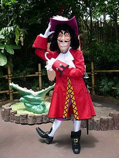 This version of Captain Hook is a closer match to his animated counterpart and has a slightly scary grin with his teeth showing up. Disney World Characters, Face Characters, Disney Villains, Disney Art, Disney Movies, Walt Disney, Disney Theme, Disney Cruise, Cute Skirt Outfits
