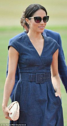 Meghan Markle Photos - Meghan Duchess of Sussex arrives for the Sentebale Polo 2018 held at the Royal County of Berkshire Polo Club on July 2018 in Windsor, England. Estilo Meghan Markle, Meghan Markle Style, Kate Middleton, Meghan Markle Birthday, Prinz Harry Meghan Markle, Meghan Markle Photos, Sussex, Proud Wife, Prince Harry And Megan