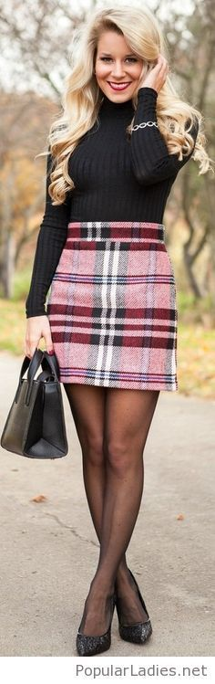 red plaid a line skirt black turtleneck sweater black tights black heels pumps winter work wear Pantyhose Outfits, Black Pantyhose, Tights Outfit, Black Tights, Black Heels, Nylons, Sweater Tights, Mode Outfits, Skirt Outfits