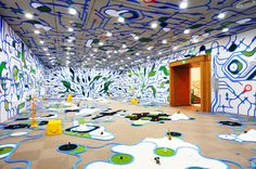 Artist:ParamodelTitle:paramodelic-graffitiPublish:2010Material:plarail,plastic toy,artifical grass,sand stone,styrofoam,etc.Size:installation otani memorial art museum, nishinomiya city [ hyogo ] 2010 ©paramodel / photo:paramodel