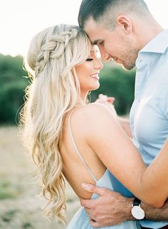 Engagement Photo Hair, Engagement Hairstyles, Braided Hairstyles For Wedding, Engagement Photo Inspiration, Wedding Engagement, Engagement Session, Winter Engagement, Unique Hairstyles, Hair Wedding