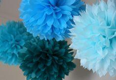 pretty winter wedding pom-pom decorations