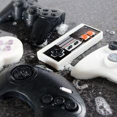 Da rutscht einem der Controller aus der Hand ... aber sauber ist man ... Spiele-Controller in Seifenform!