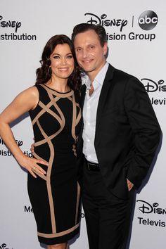 Bellamy Young & TV husband/ costar Tony Goldwyn #scandal