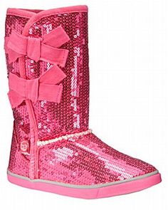 UGG Womens Classic Short Everlasting White Boot 6 B (M) Be sure to check out this awesome product. Cheap Snow Boots, Ugg Snow Boots, Ugg Boots Sale, Ugg Winter Boots, Ugg Sale, Pink Uggs, Pink Boots, Uggs For Cheap, Buy Cheap