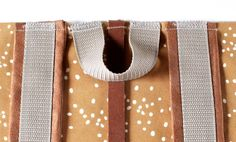 DIY-Tutorial Rucksack DIY Tutorial Rolltop Backpack with Spoonflower Fabric Tutorial Diy, Pouch Tutorial, Hello Kitty Tattoos, Mochila Tutorial, Sewing Tutorials, Sewing Projects, Sewing Diy, Diy Backpack, Backpack Pattern
