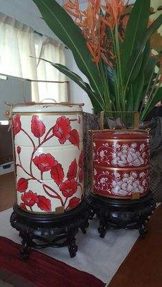 #mothersdaygift #uniquegift #junie'sdecorativetiffins Tiffin Carrier, Chinoiserie Chic, Chinese Antiques, Unique Gifts, Planter Pots, Lunch Box, Hand Painted, Dishes, Drawings