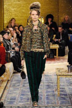 Chanel Pre-Fall 2011 Fashion Show - Natasha Poly (Women)