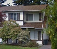 1/2 duplex in Gordon Head. Fenced yard. Available for Nov. 1. Pets negotiable.