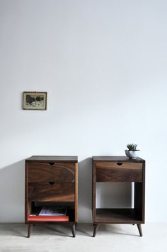 Nightstands / Objets mécaniques.