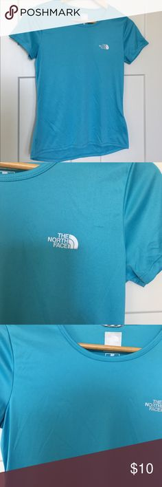 "Women's North Face Flight Series Athletic Shirt The North Face Flight Series Athletic Shirt in blue. Size small. The Flight Series is:  RUN NO MATTER WHAT Designed in collaboration with our team athletes, the 2017 Flight Series™ Collection keeps runners cool, dry and focused on one thing: their run.  The shirt is in gReat condition except for 2 small areas that have a ""pull"". Please see picture and show this great shirt some posh love!!! The North Face Tops Tees - Short Sleeve"