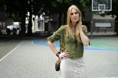 Polished Cats: Outfit: Khaki Lace