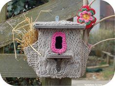 Le nid yarn bombing en recyclage tricot