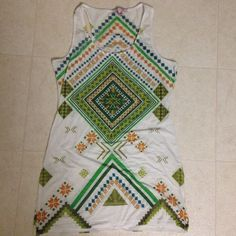 Romeo & Juliet Couture top Racerback tank top in an interesting, symmetrical pattern. Romeo & Juliet Couture Tops Tank Tops