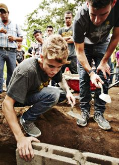Justin Bieber Pencils of Promise.